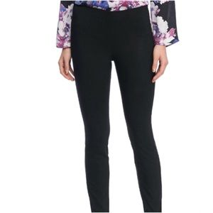 The Limited Pull On Skinny Pants in Exact Stretch